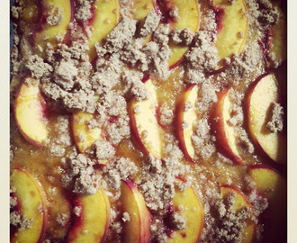Gluten-free and Vegan Peach Bars. Refined-Sugar Free.