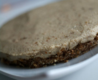 Easy and Simple Raw Vegan Cheesecake