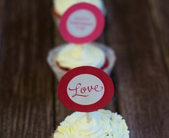 Rote Samt-Cupcakes/ Red Velvet Cupcakes
