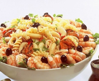Salada de Macarrão com Frutos do Mar