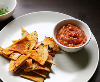 Smooth Spicy roasted tomato Salsa