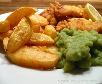 Fish'n'Chips with Mushy Peas and Sauce Tartar