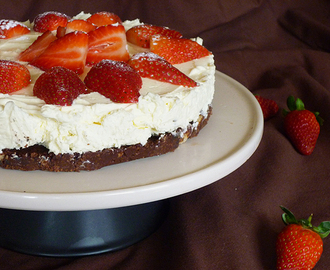 * Rustic Strawberry Cheese Cake