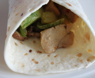 MOM: Wraps met kip en courgette