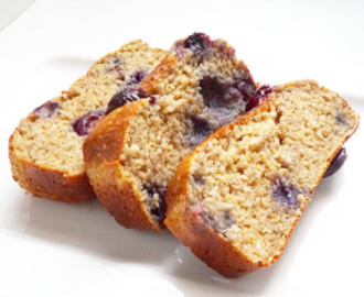 Quinoa cake met blueberries