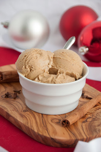 Paleo Gingerbread Ice Cream