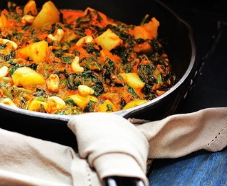 Saag Aloo - Spinach , Potato with Cashews - Sabji #Britishcurry #Spinach #aromaticspices #Sidedish #Britsfavourite