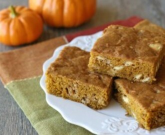 Pumpkin White Chocolate Chip Bars