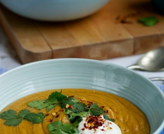 Spicy butternut squash and lentil soup