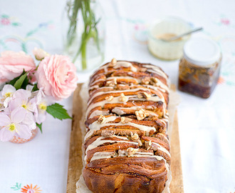Fig and walnut pull apart bread
