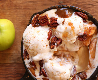 Apple Pie Sundaes