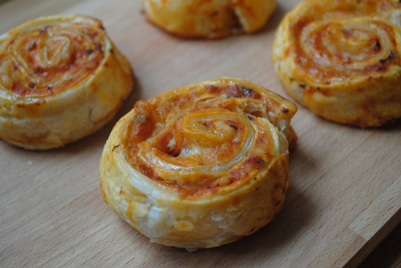 Simple Puff pastry pizza wheels recipe