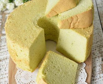 How to bake an Ultra Soft Pandan Chiffon Cake with Less Cracks?