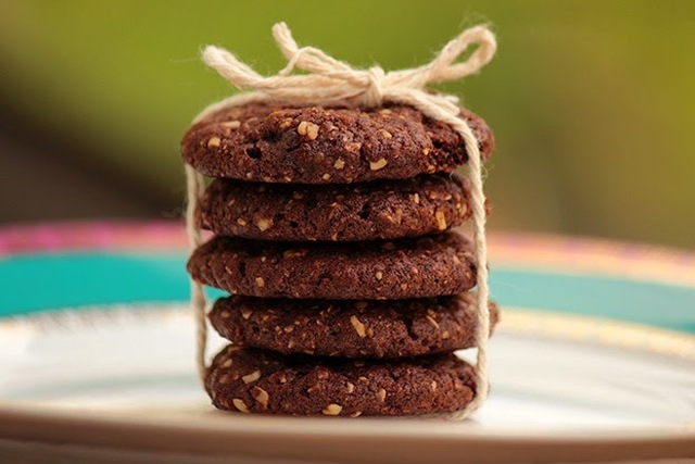 Cookies de ameixa, aveia e chocolate