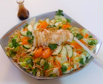 Asian Chicken Salad ou Salade Asiatique au Poulet Vinaigrette au Gingembre et Sésame