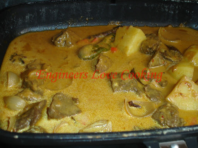 KORMA DAGING MENGGUNA PEMANGGANG AJAIB / BEEF KORMA USING MAGIC GRILL