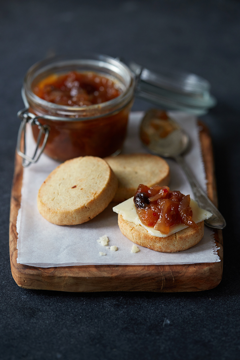 Apple & Walnut Chutney