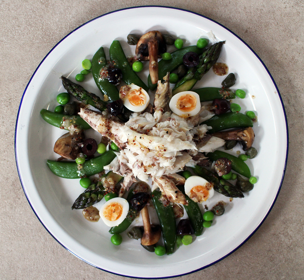 Barbecue Mackerel Salad