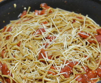 Spicy Tomato Pasta for #SundaySupper