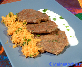 Indische Blinis mit frischem Koriander - Indian blinis with fresh cilantro