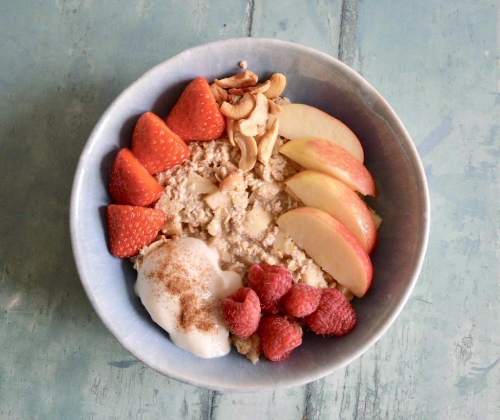 Gluten and Dairy Free Apple Pie Overnight Oats Meal Prep Box