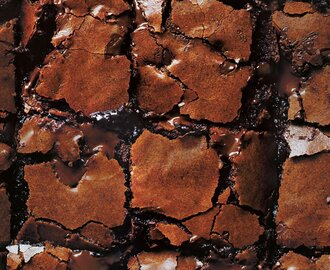 Brownie con trozos de chocolate derretido (Molten choc-chunk brownies)