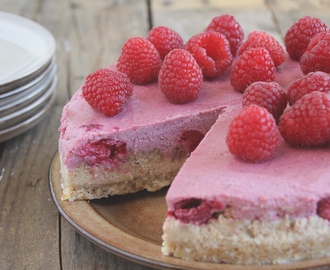 Raw cheesecake met frambozen