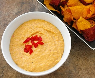 Roasted Red Pepper Hummus #PepperParty and a Giveaway!