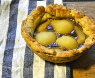 Salted caramel and pear pie