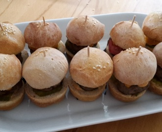 Fingerfood - Mini Burger und Mini Quiche