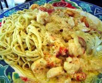 Taste Just Like - Copycat Red Lobster Lobster, Shrimp and Scallop Pasta