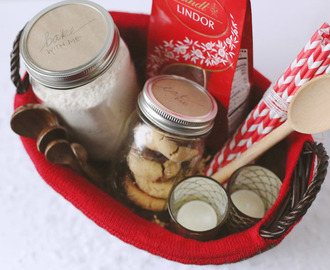 Holiday Gifting: The Ultimate Christmas Cookie Gift Basket