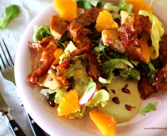 Salat mit kandiertem Speck, Orangen und Granatapfel / Salad with candied bacon, oranges and pomegranate