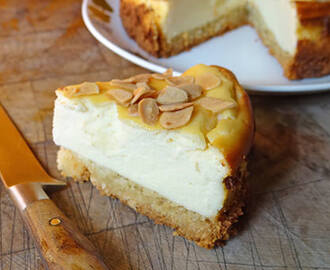 Cakes & Bakes: Italian cheesecake with almond crumb base