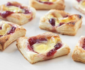 Mini Cheese and Cranberry Puffs