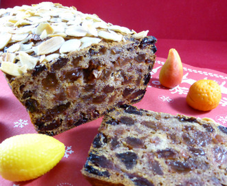 The Ultimate Free-From Fruit Cake (vegan & gluten-free)