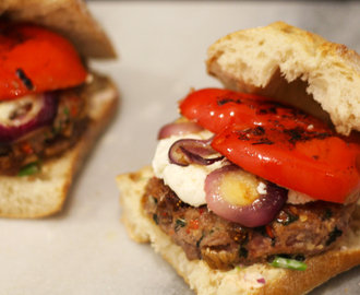 Fig & lamb burgers with goat cheese and grilled bell pepper