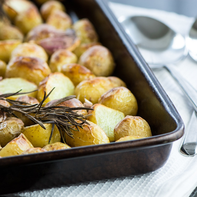 Roasted New Potatoes with Rosemary & Garlic