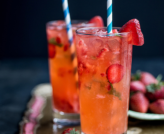 Cocktail Friday: Strawberry Moscow Mule