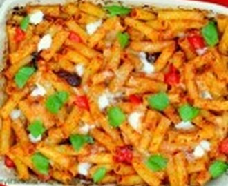 Pasta Bake with tomato sauce and mozzarella