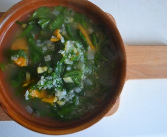 Lentesoep met brandnetel, daslook en zoete aardappel – Spring soup with nettles, wild garlic and sweet potato (GF-DF-SF-V)