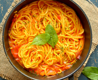 Spaghetti in rich tomato sauce-  One pot meal ready under 30 minutes | No fuss, Vegan and  healthy dinner recipe