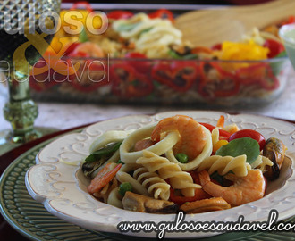Salada de Fusilli Integral com Frutos do Mar