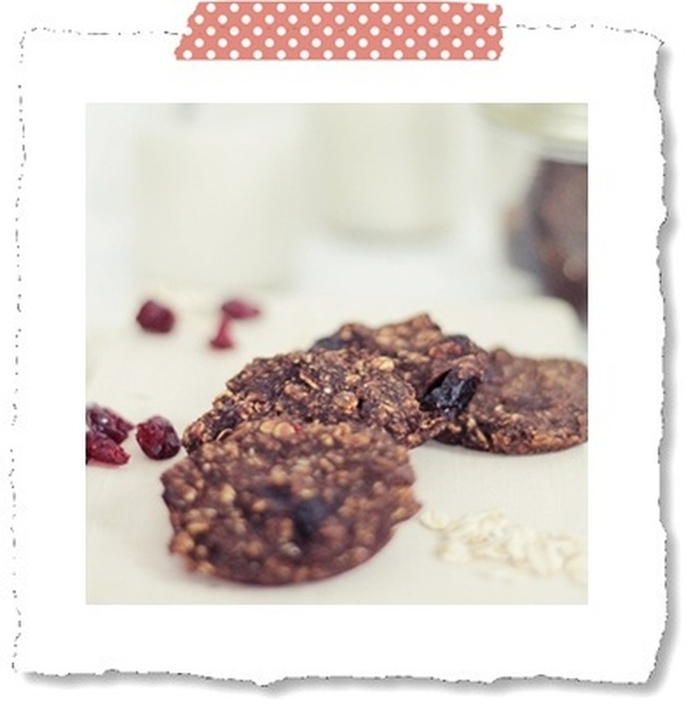 Quick 'n' Easy:: skinny vegan breakfast cookies