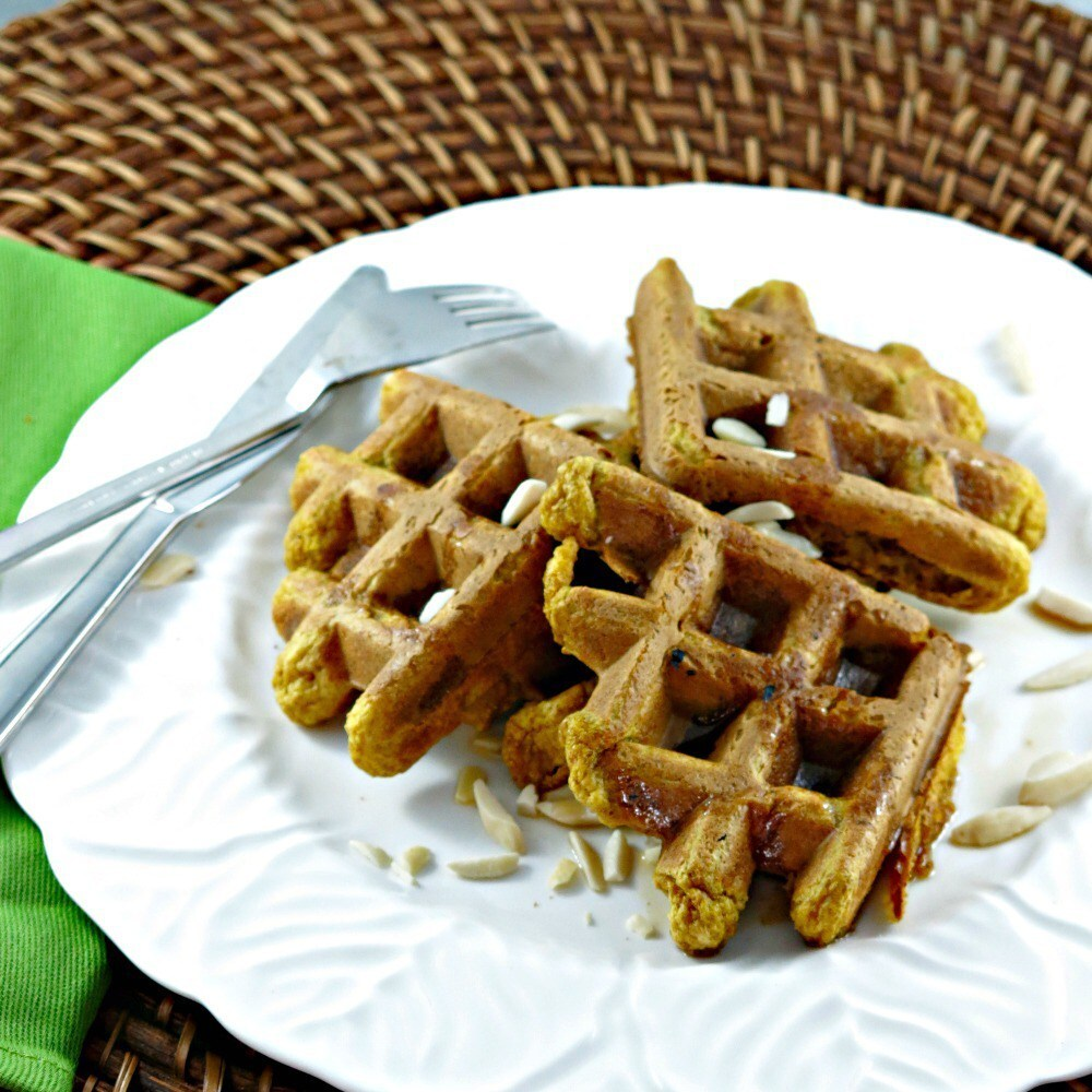 Vegan Pumpkin Pie Waffles