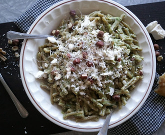 Arugula & Hazelnut Pesto Pasta with Feta Cheese