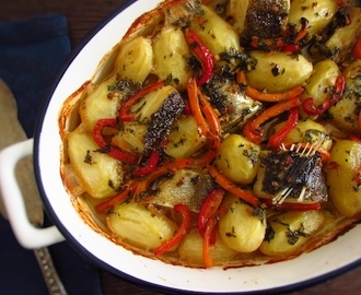 Bacalhau no forno regado com azeite | Food From Portugal