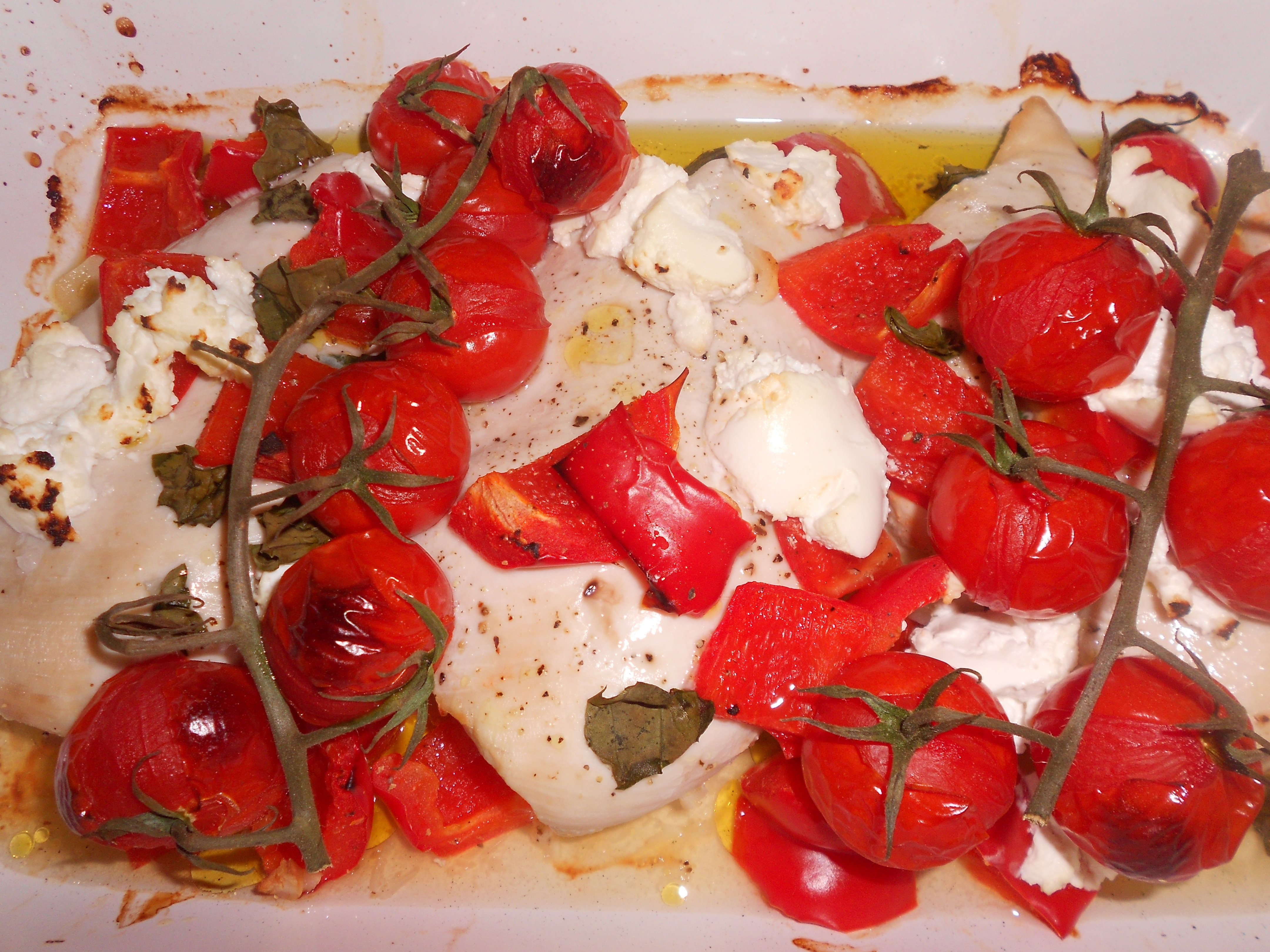 Chicken, goats cheese, tomato and basil tray bake