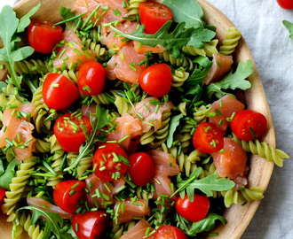 GREEN PASTA SALAD WITH SALMON & CHIVES