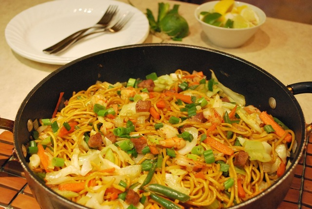 Pancit Canton (Stir-fried Noodles)